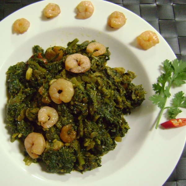 Photo of Spinach Prawns Curry by Bethica Das at BetterButter