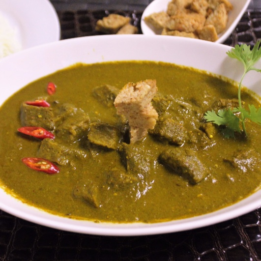 How to make Sepu Vadi in Spinach Gravy