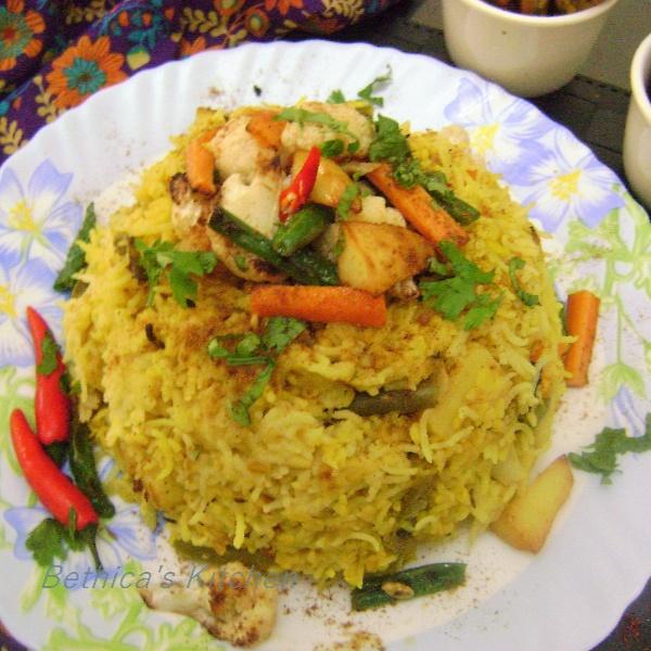 Bengali Bhuna Khichuri recipe by Bethica Das at BetterButter