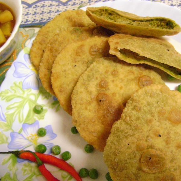 How to make Koraishutir Kochuri (Green Peas Kachori - Bengali Style)