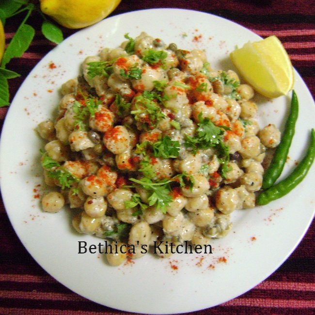 How to make Chickpeas & Sprouts Salad with Yogurt Dressing