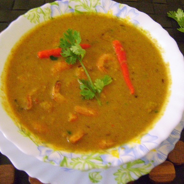 How to make Chingri Malai Curry (Prawns in Coconut Milk Gravy - Bengali Style)