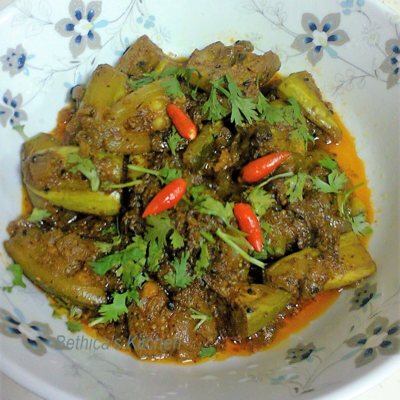 How to make Shorshe Potol (Parwal / Pointed Gourd in Mustard Gravy - Bengali Style)