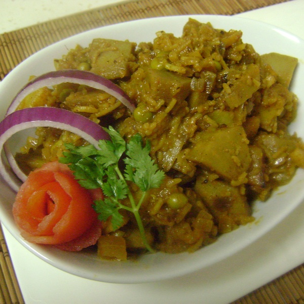 How to make Echore Muri Ghonto (Raw Jackfruit cooked with Basmati Rice - Bengali style)