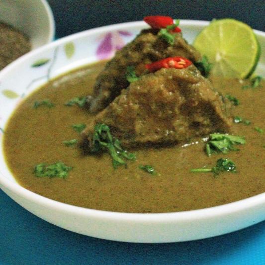 How to make Rui Radhuni Jhol (Rohu Fish in Celery Seed Gravy - Bengali Style)