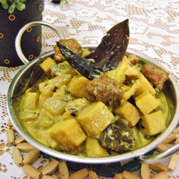 How to make Shukto (Mixed Veg. Curry with Bitter Gourd - Bengali Style)