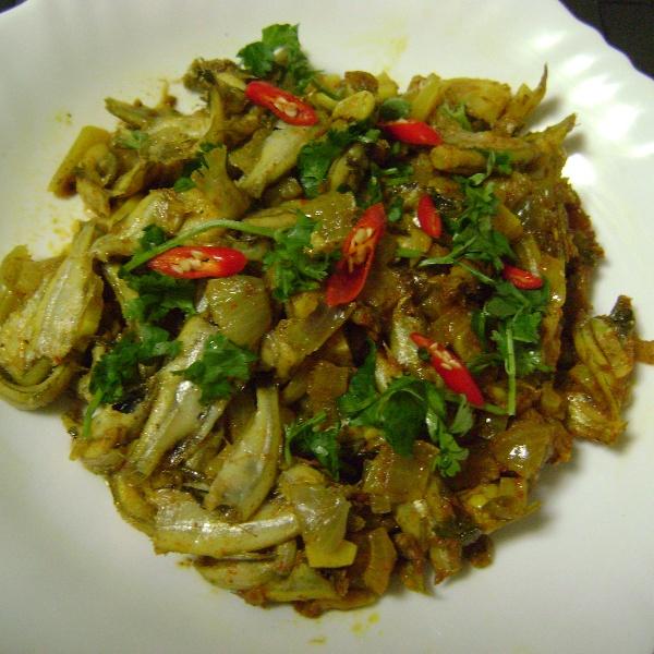 How to make Morula Macher Paturi (Mola Carplet Fish cooked in Banana Leaf / Foil - Bengali Style)