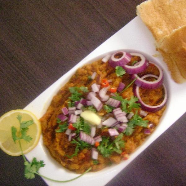 How to make Pav Bhaji  - Mumbai Street Snack