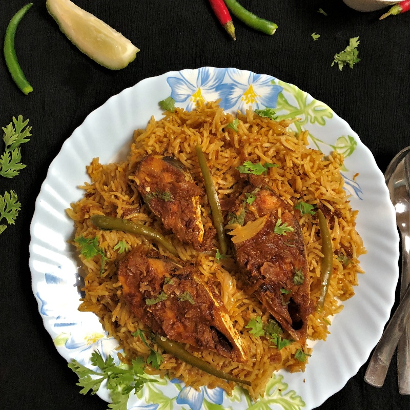 How to make Ilish Macher Biryani (Hilsa Fish Biryani - Bengali Style)