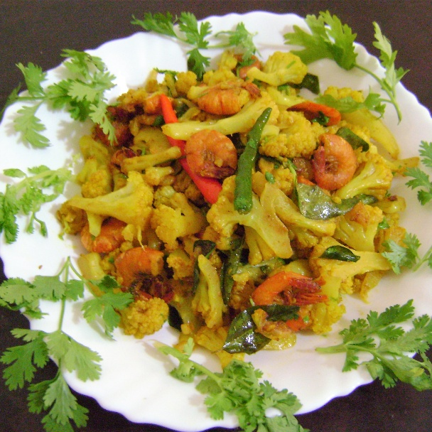 Photo of Cauliflower Stir Fry with Prawns by Bethica Das at BetterButter