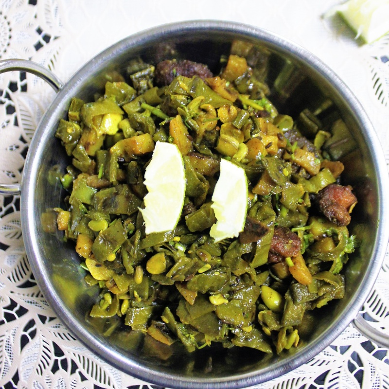 Photo of Aloo Sheem Bhaja (Potato-Flat Beans Curry - Bengali Style) by Bethica Das at BetterButter