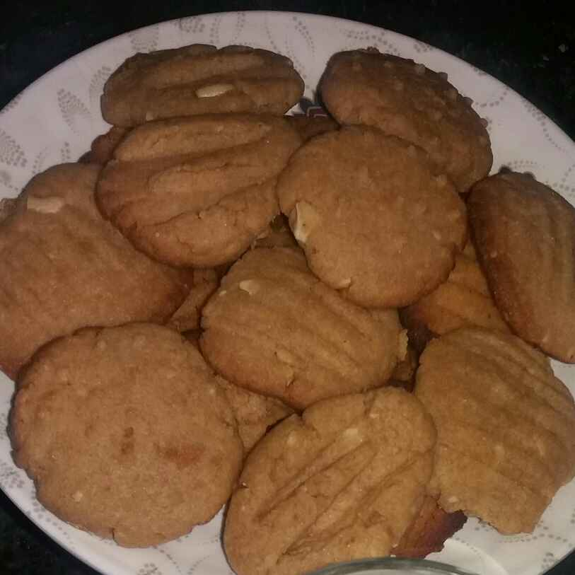 Photo of Wheat Flour Biscuit with Cashew nuts by Bharti Kharote at BetterButter