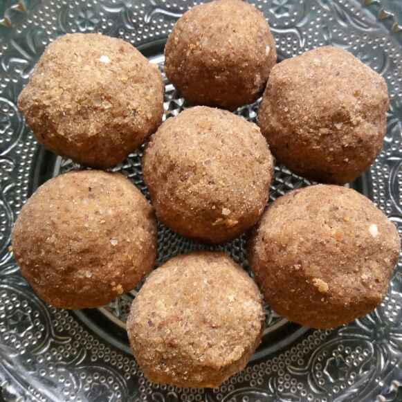 Photo of Bery mix fast laddu by Bharti Kharote at BetterButter