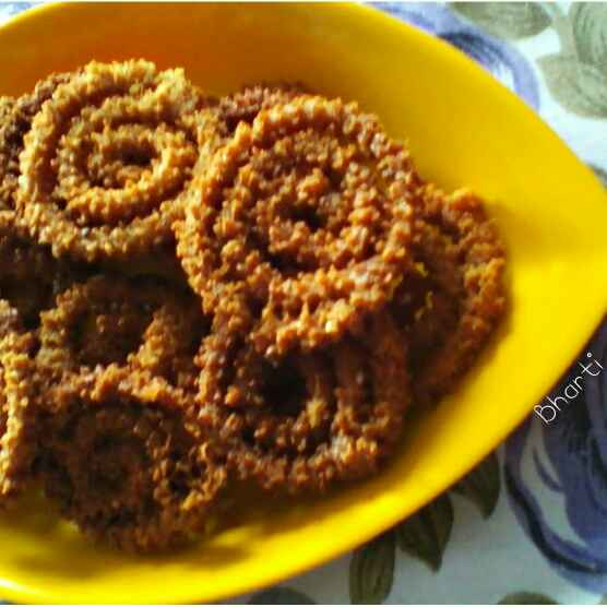 How to make Leftover Roti Chakri