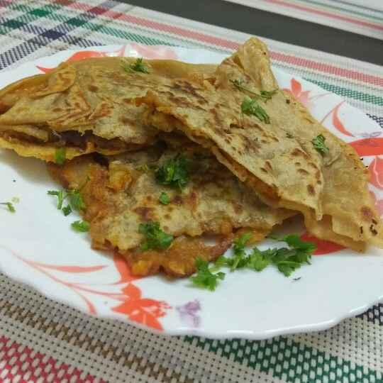 Photo of schezwan potato Patties stuffed chapati by Bhavani Murugan at BetterButter