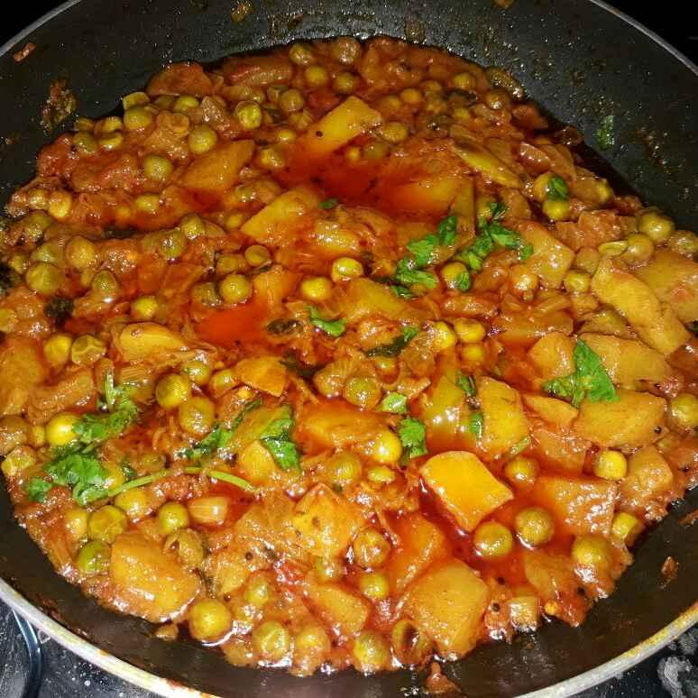 How to make Potato Peas Gravy