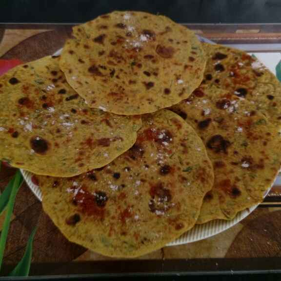 Photo of Vadhela thepla na khakhra by Bhavna Nagadiya at BetterButter