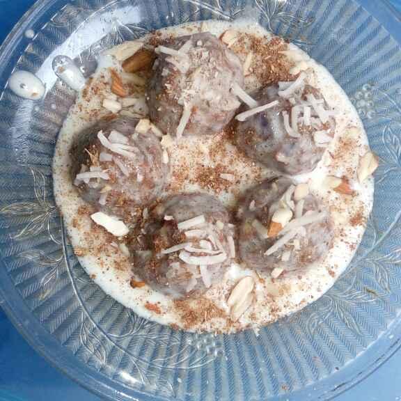 Photo of Sweet grevi with khajur bols by Bhavna Nagadiya at BetterButter
