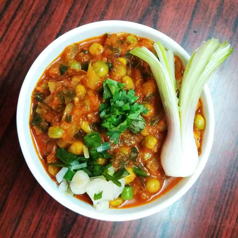 Photo of Green pigeonpea curry by Bhavna Thaker at BetterButter
