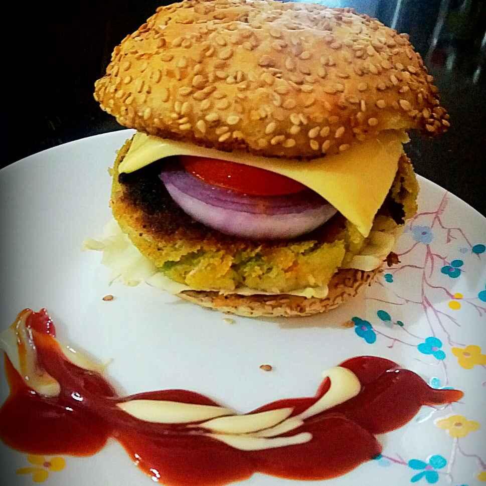 Photo of Aaloo tikki burger by Bhumika Gandhi at BetterButter