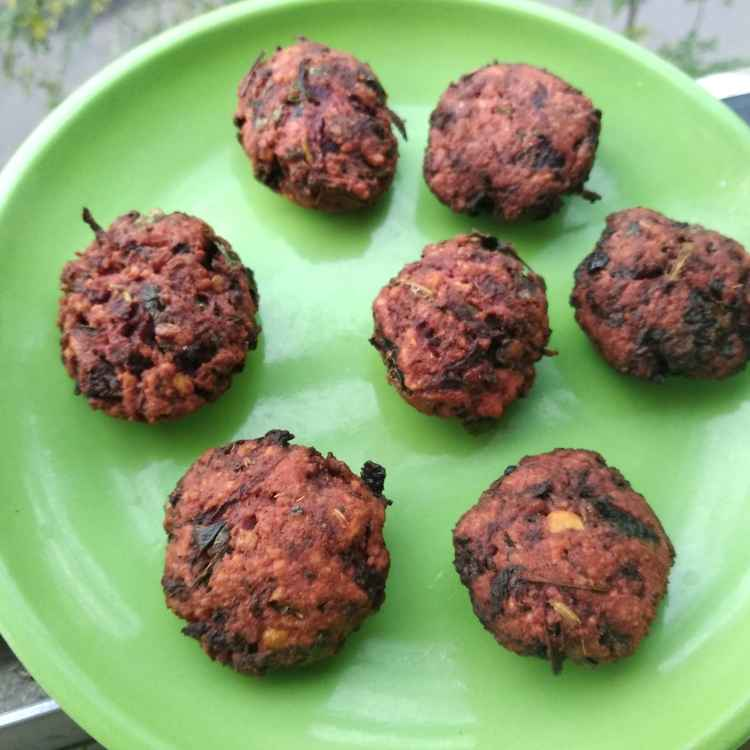 Photo of Beetroot channadal vadai by Bhuvana Selvaraj at BetterButter