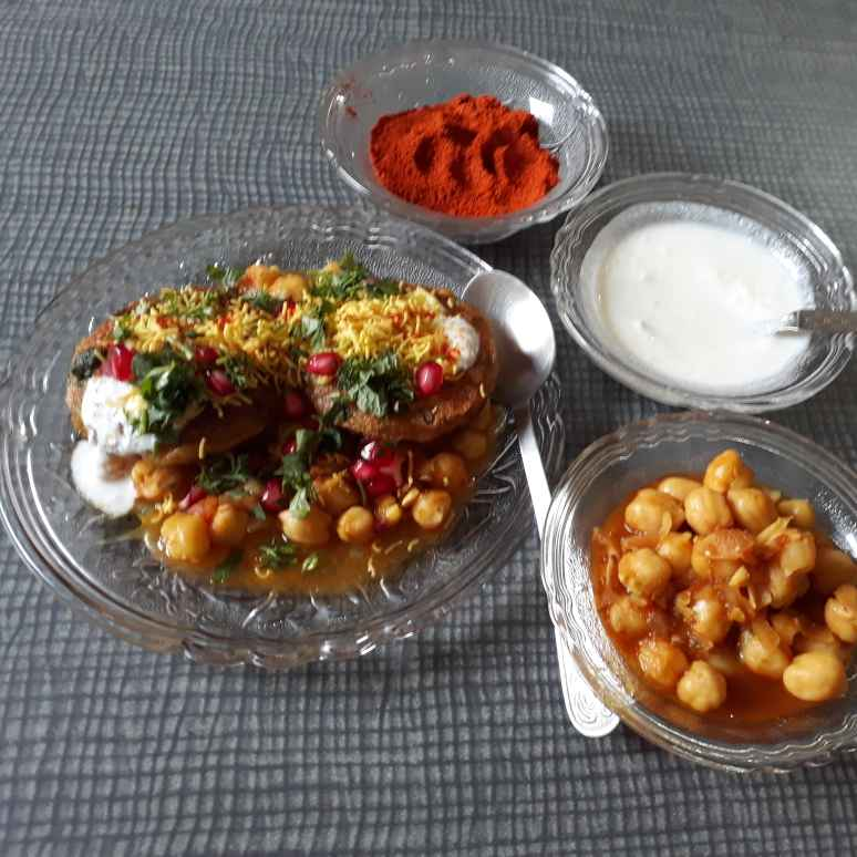 Photo of Chole tikki chaat by Bijal Thaker at BetterButter