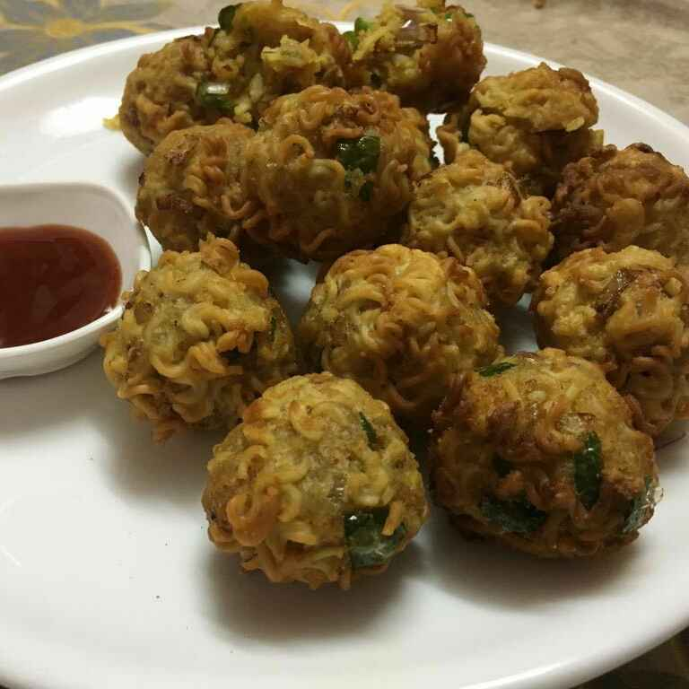 How to make CHEESY MAGGI FRITTERS