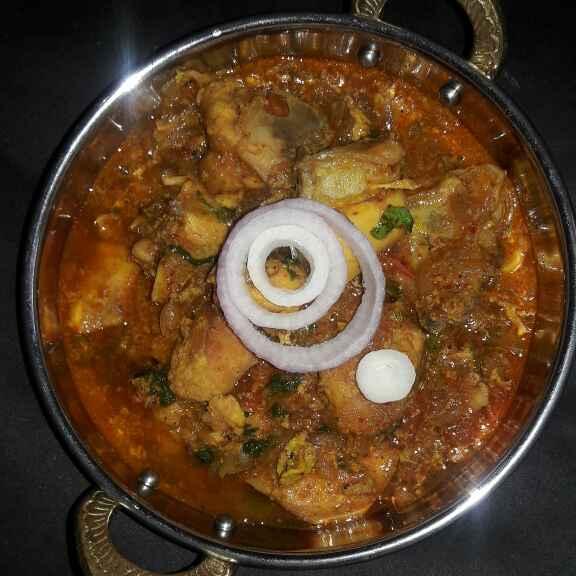 How to make Chicken bhuna...