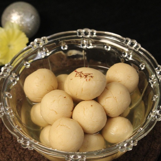 Photo of Traditional Rasogolla by Bulbul Majumder at BetterButter