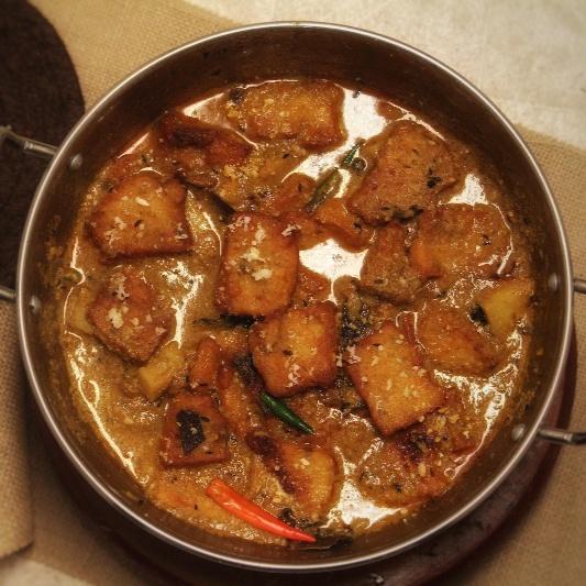How to make Chanar Dalna - Bengali Style -Cottage Cheese Kofta Curry