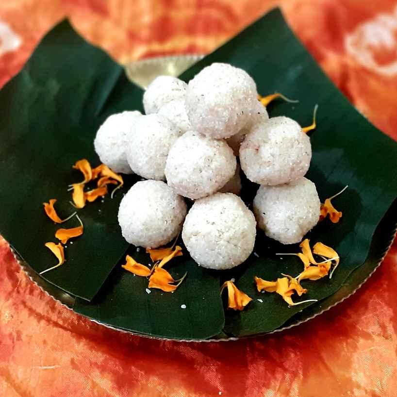 How to make ক্ষীর নারকেল সুজির লাড্ডু