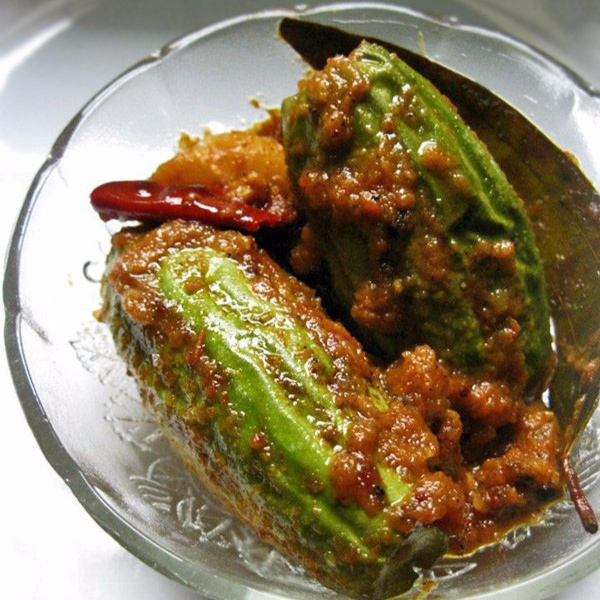 How to make Potol er Dolma/Stuffed Pointed Gourds with Prawns