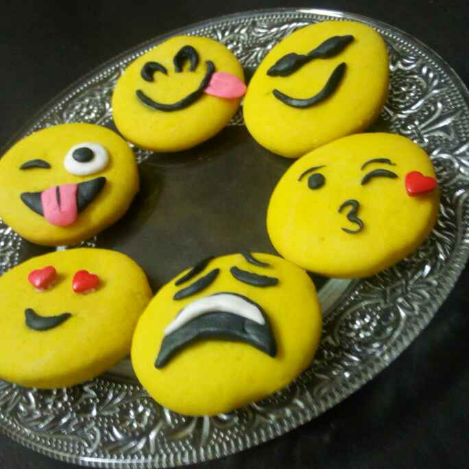 Photo of Emoji kukis by Chandu Pugalia at BetterButter