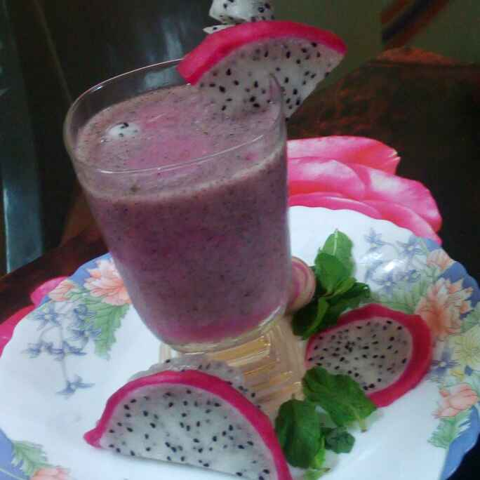 Photo of Dragon fruit smoothie by Chandu Pugalia at BetterButter