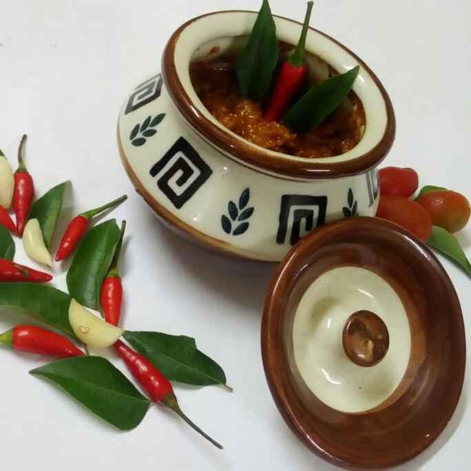 Photo of Lahsun tamatar ki chutney by Chandu Pugalia at BetterButter