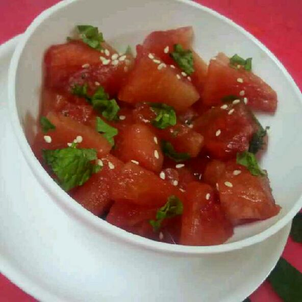 How to make Watermelon mint salad