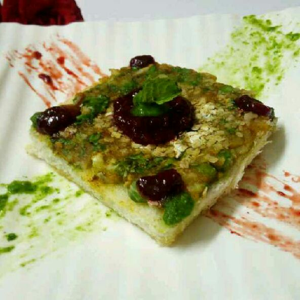 How to make Bread tikka with strawberry chutney