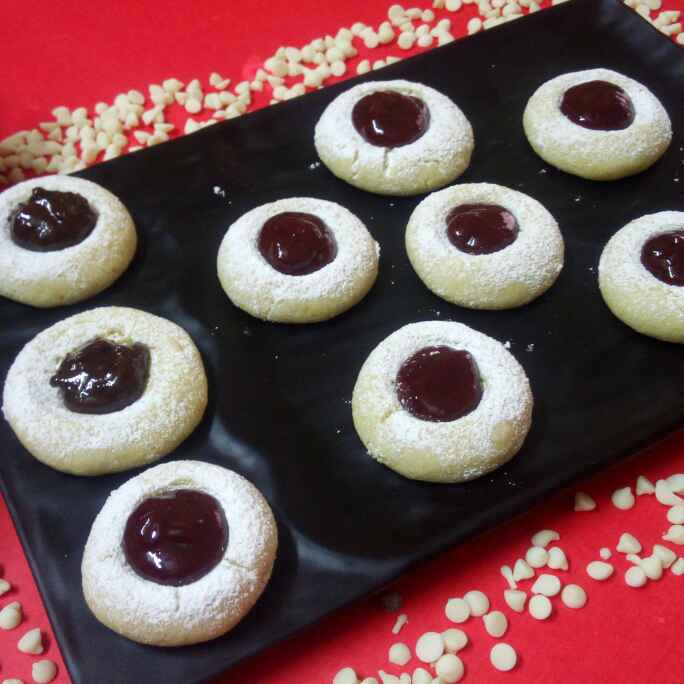 Photo of Buttery strawberry jam filling cookies by Chandu Pugalia at BetterButter
