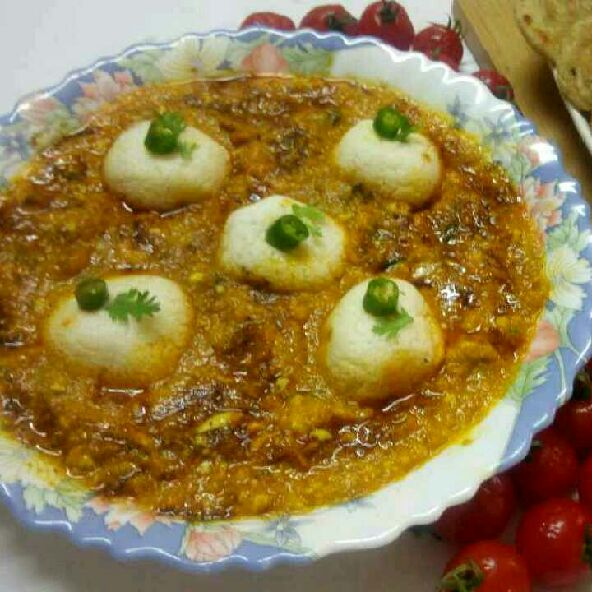 How to make Rasgulla in paneer gravy