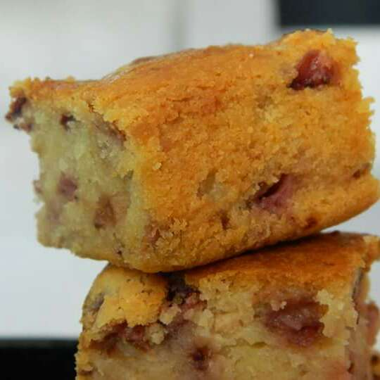How to make Strawberry white chocolate chip butter cake