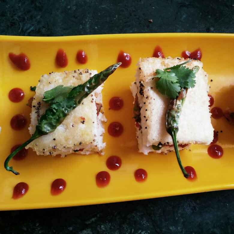 Photo of Spicy dhokla sandvich by Chavi Gupta at BetterButter