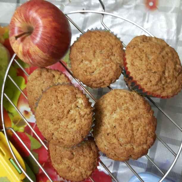 How to make Apple Walnut and Cinnamon Wheat Muffins