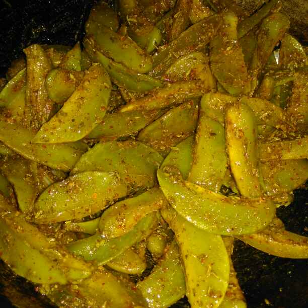 How to make Kamarakh ka achar