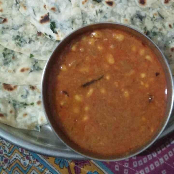 Photo of Munagaku parota with alasandala curry by Chinnaveeranagari Srinivasulu at BetterButter