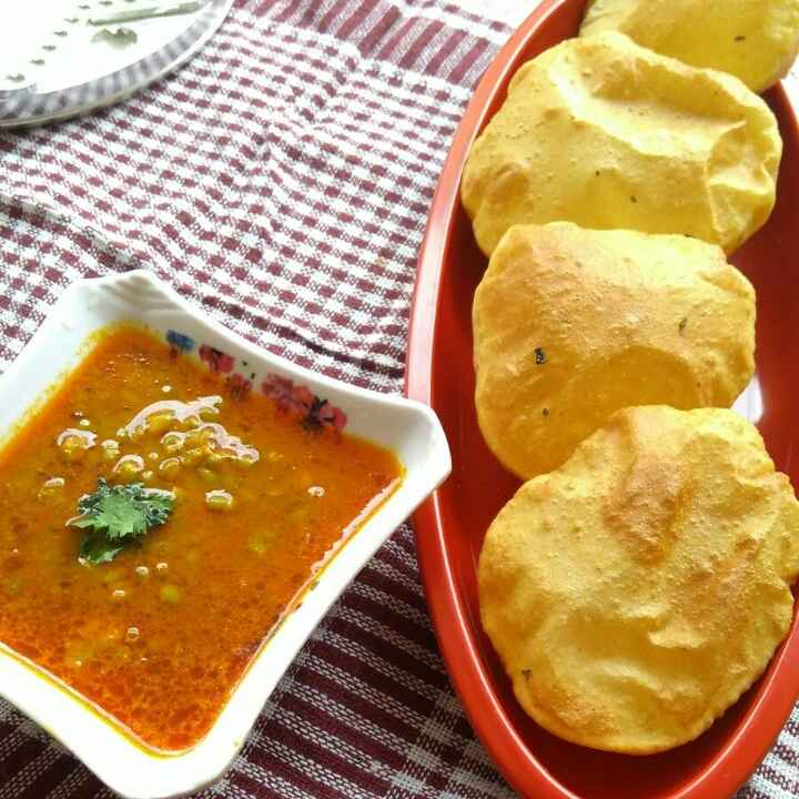 How to make Masala puri with moong