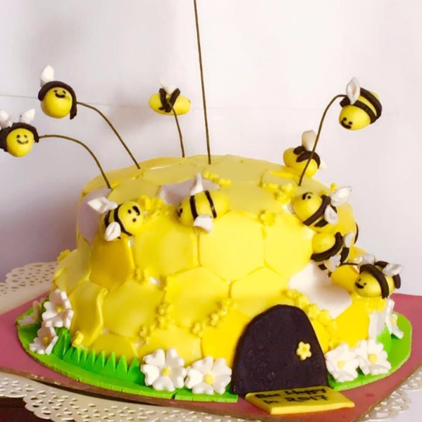 How to make Honey bee cake