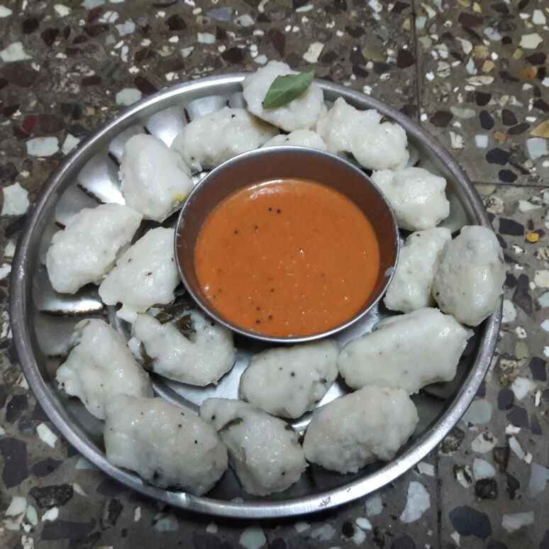 Photo of Pulungarisi pidi kolukkattai by Deepa Srivatsan at BetterButter