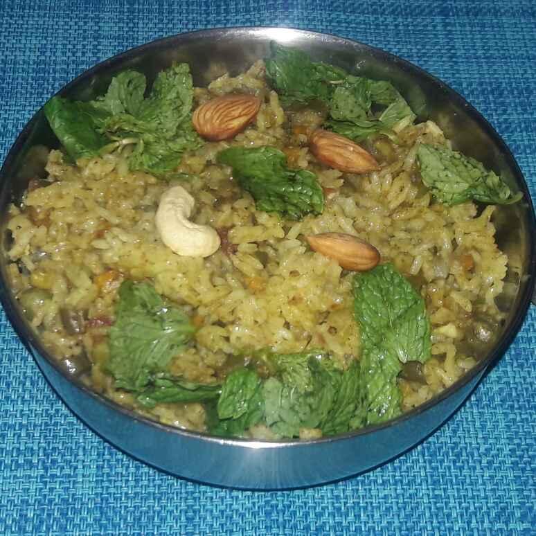 Photo of Easy veg pulao by Deepa Srivatsan at BetterButter