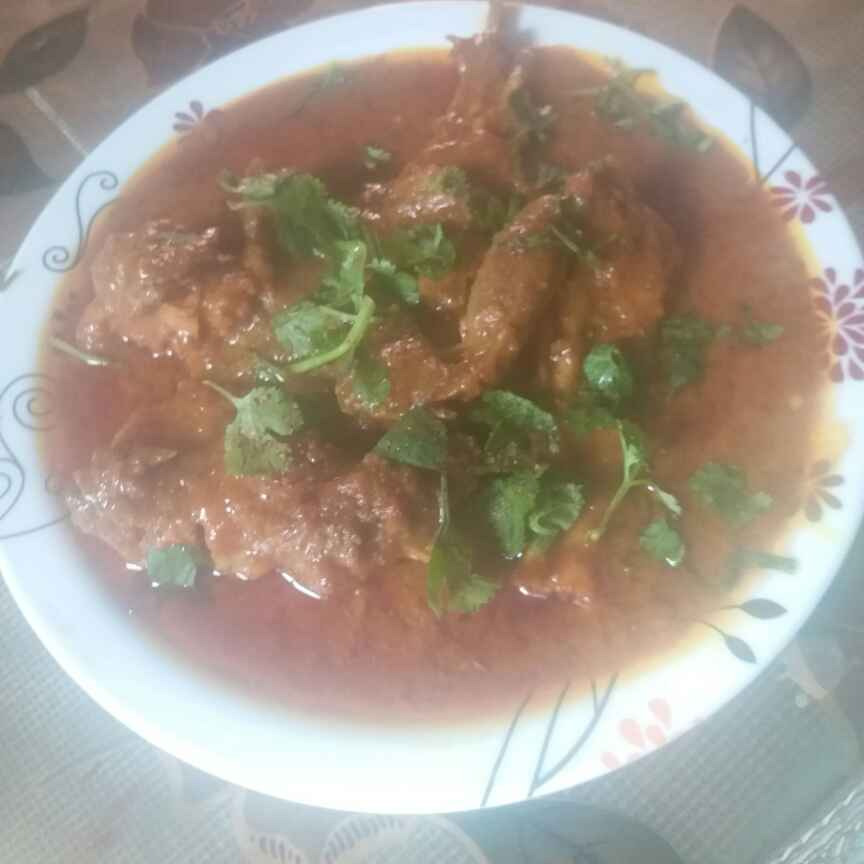 How to make Mutton curry in pressure cooker .
