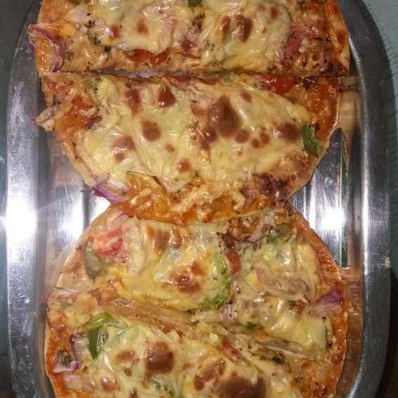 How to make लेफ्टओवर रोटी पिज़्ज़ा
